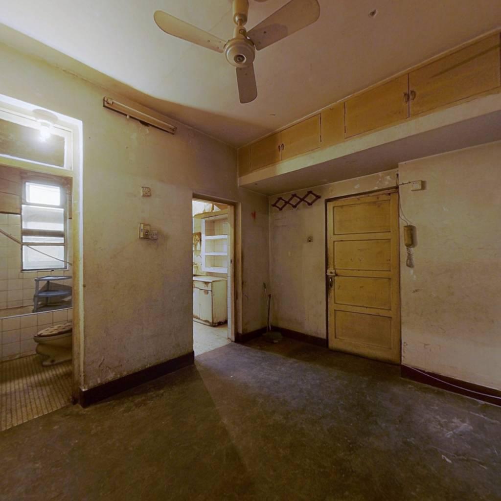 财政局宿舍 经典两居室 楼层好 诚意出售