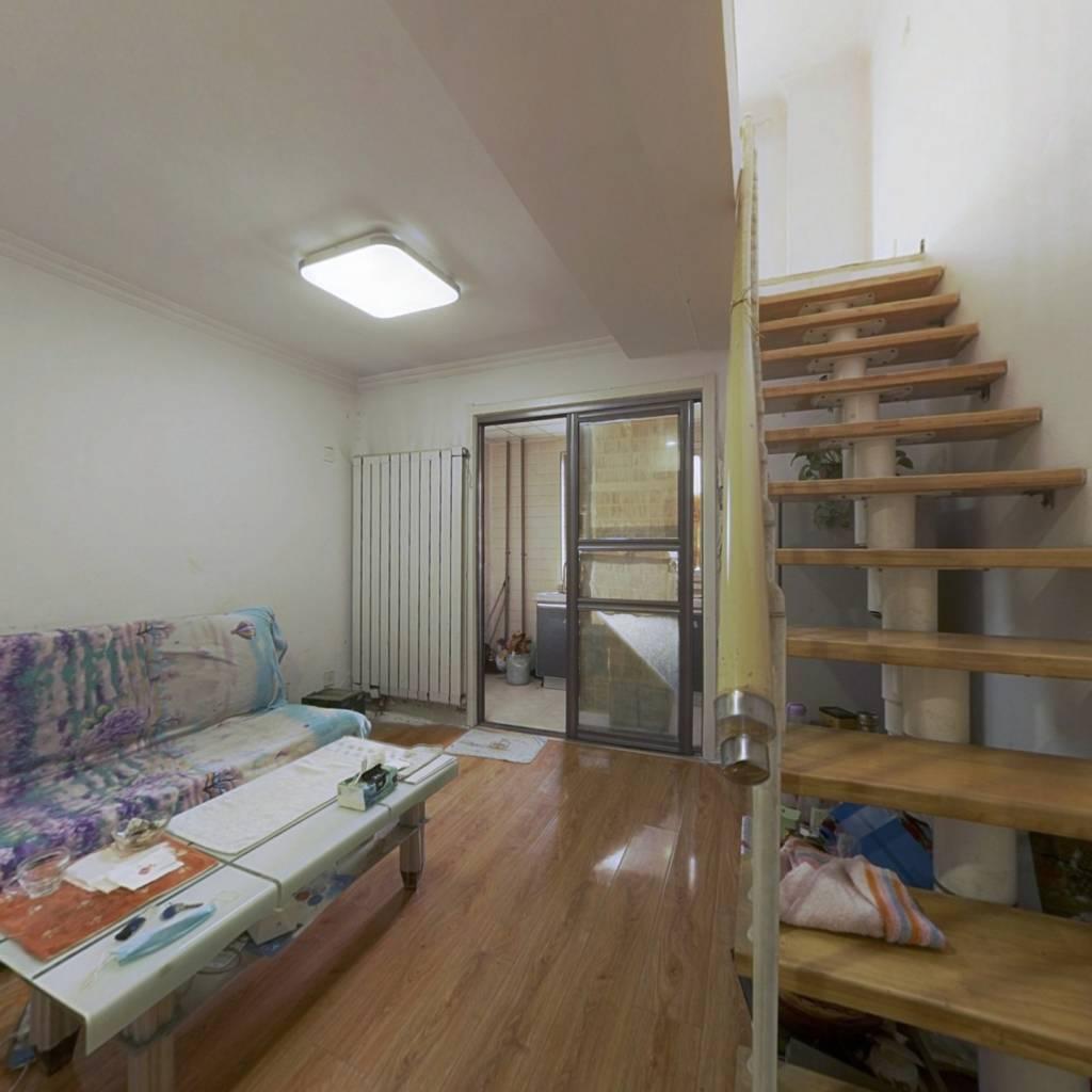 泾渭明珠小区 1室1厅 北