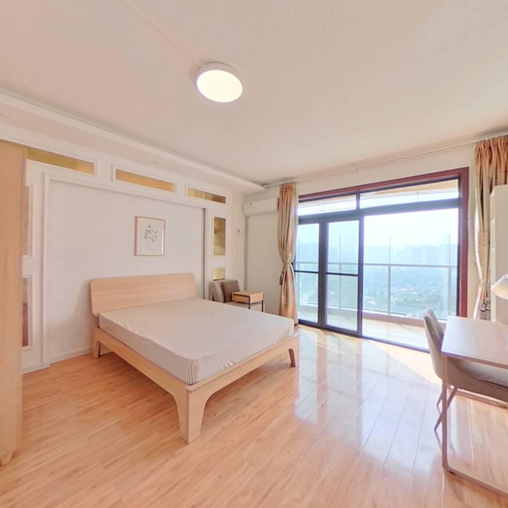 合租·每日汇城 4室1厅 北卧室图