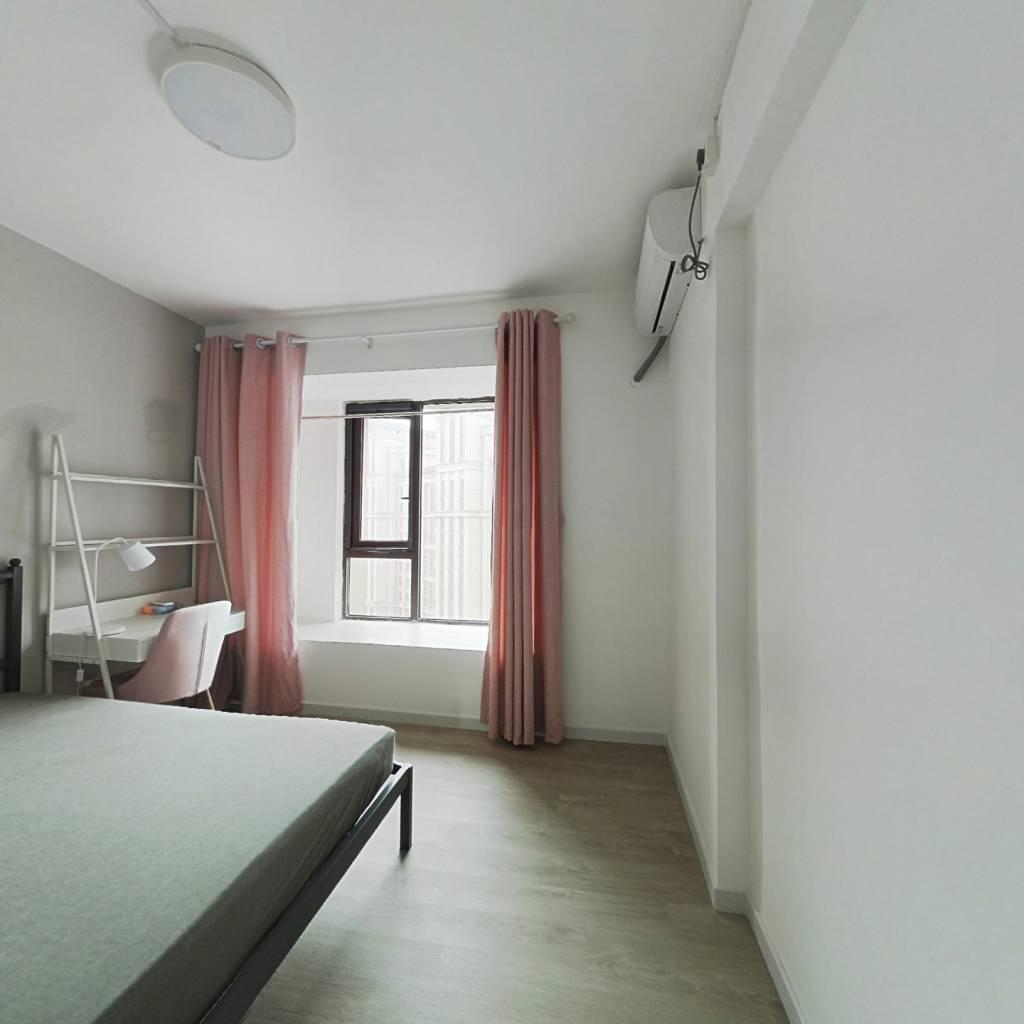 合租·融侨城一期 4室1厅 南卧室图