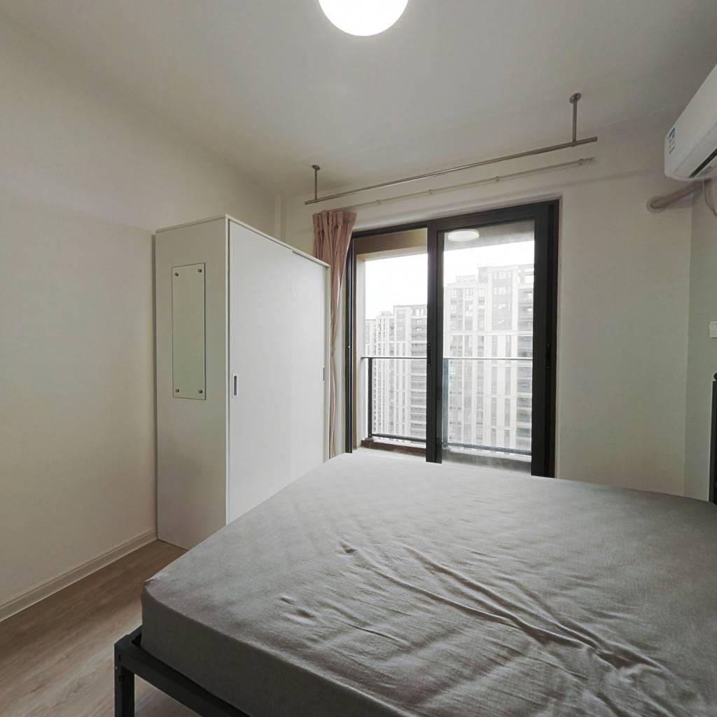 合租·上实海上海 4室1厅 南卧室图