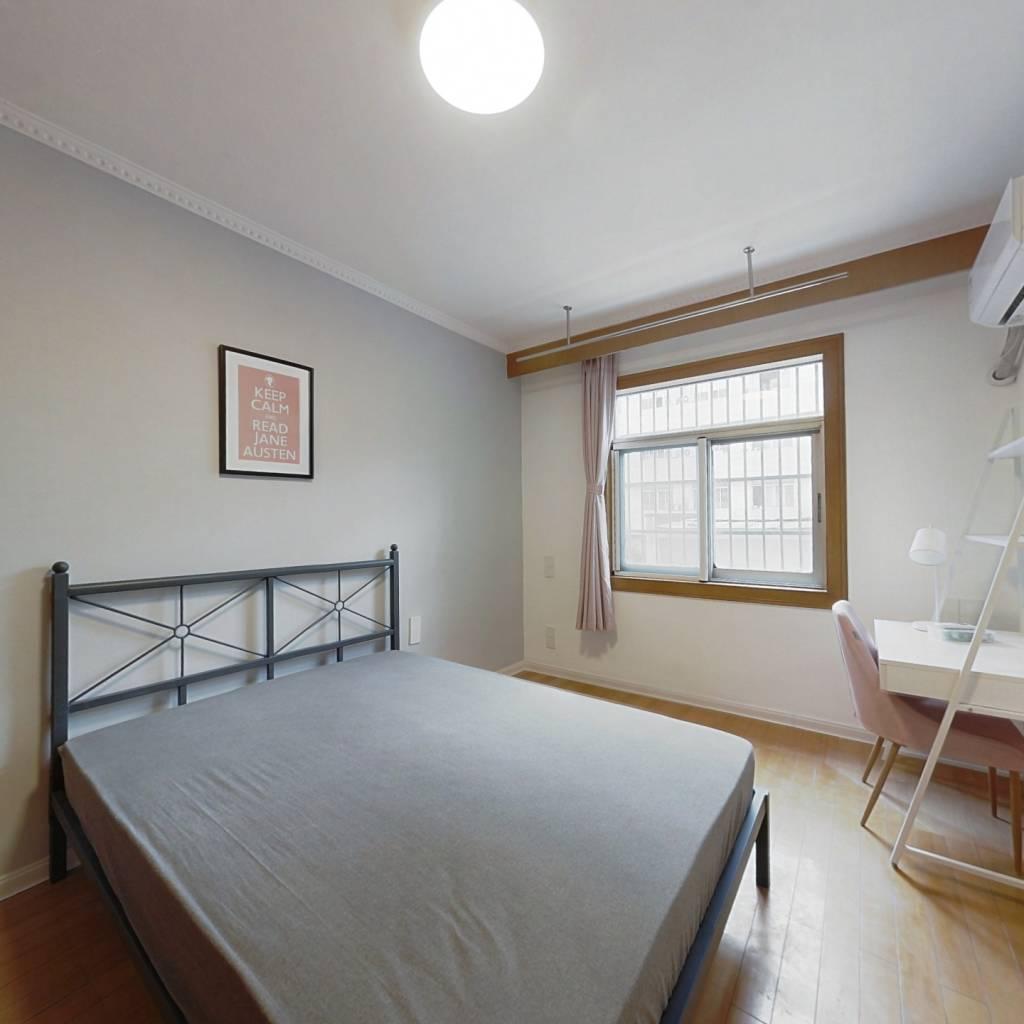 合租·石灰桥新村 3室1厅 南卧室图