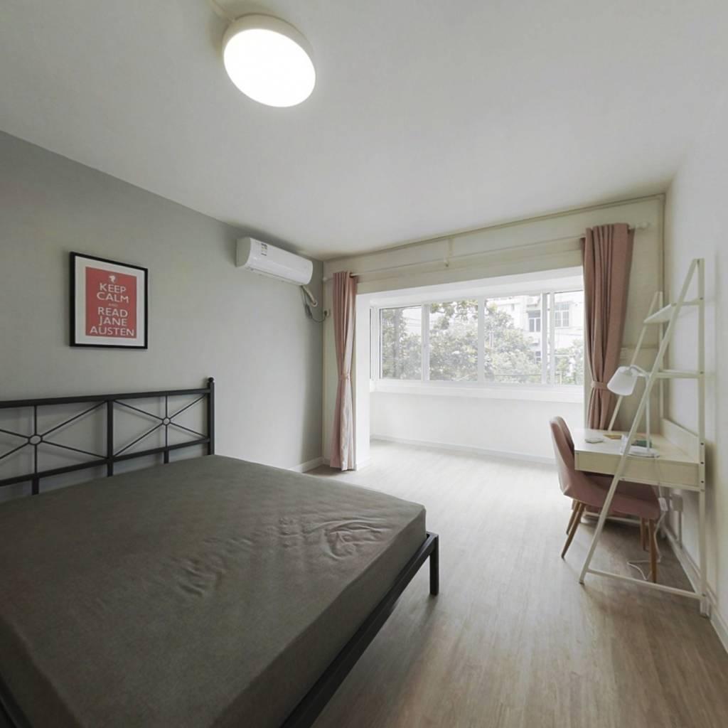 合租·航华二村嘉丰公寓 3室1厅 南卧室图