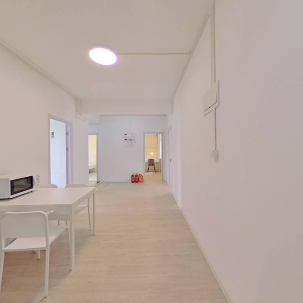 合租·板桥新村 4室1厅 北卧室图