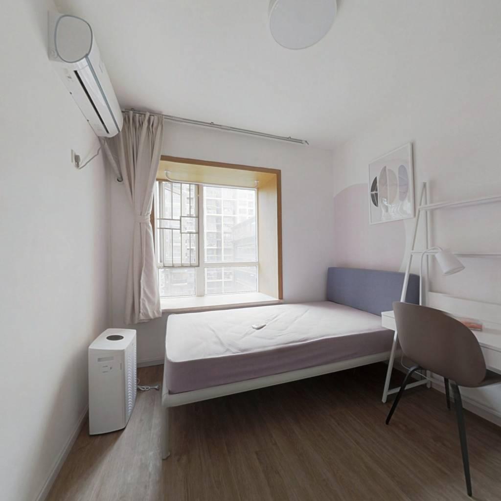 合租·长城盛世家园一期 4室1厅 西卧室图