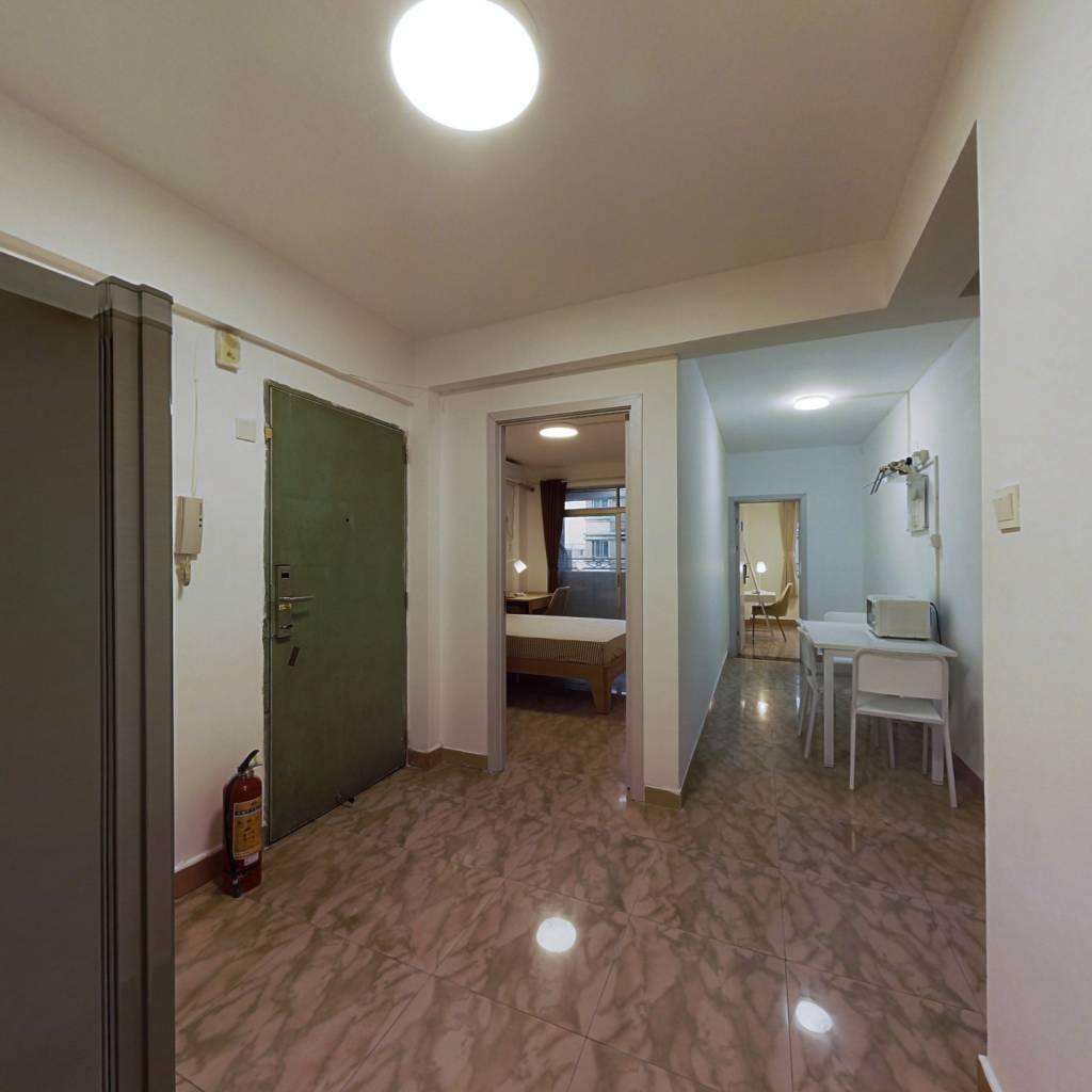 合租·龙辉花园 4室1厅 南卧室图