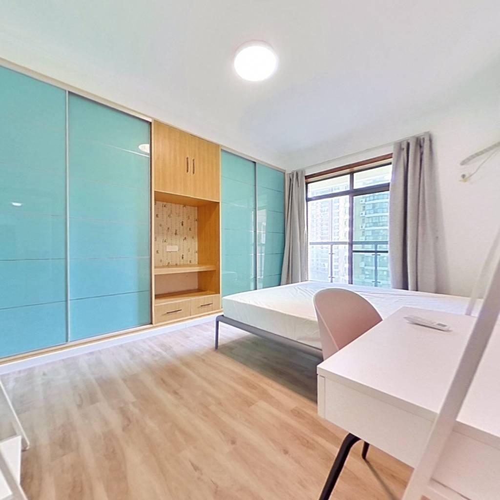 合租·南益巴黎豪庭 4室1厅 北卧室图