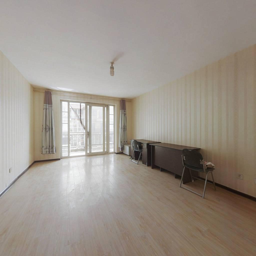 湘江道欧陆园小区,8室3厅,跃层.