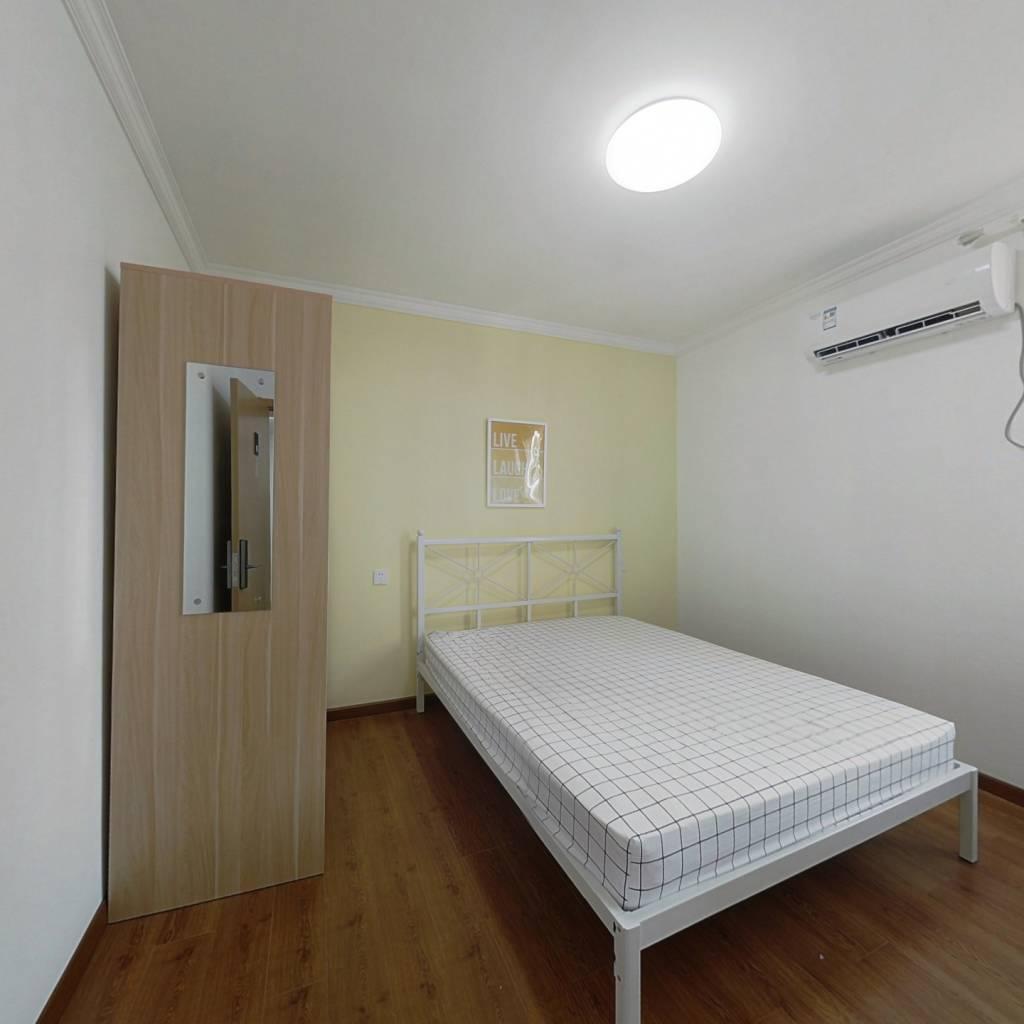 合租·竹园高层 3室1厅 南卧室图