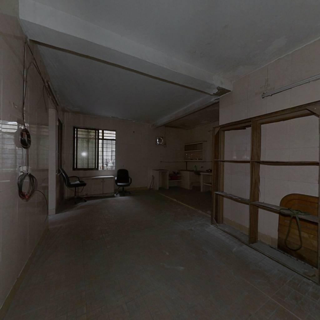 经济实惠两房好段,万科地块旁边,低楼层