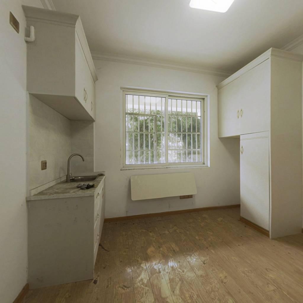 置信公寓 1室0厅 南