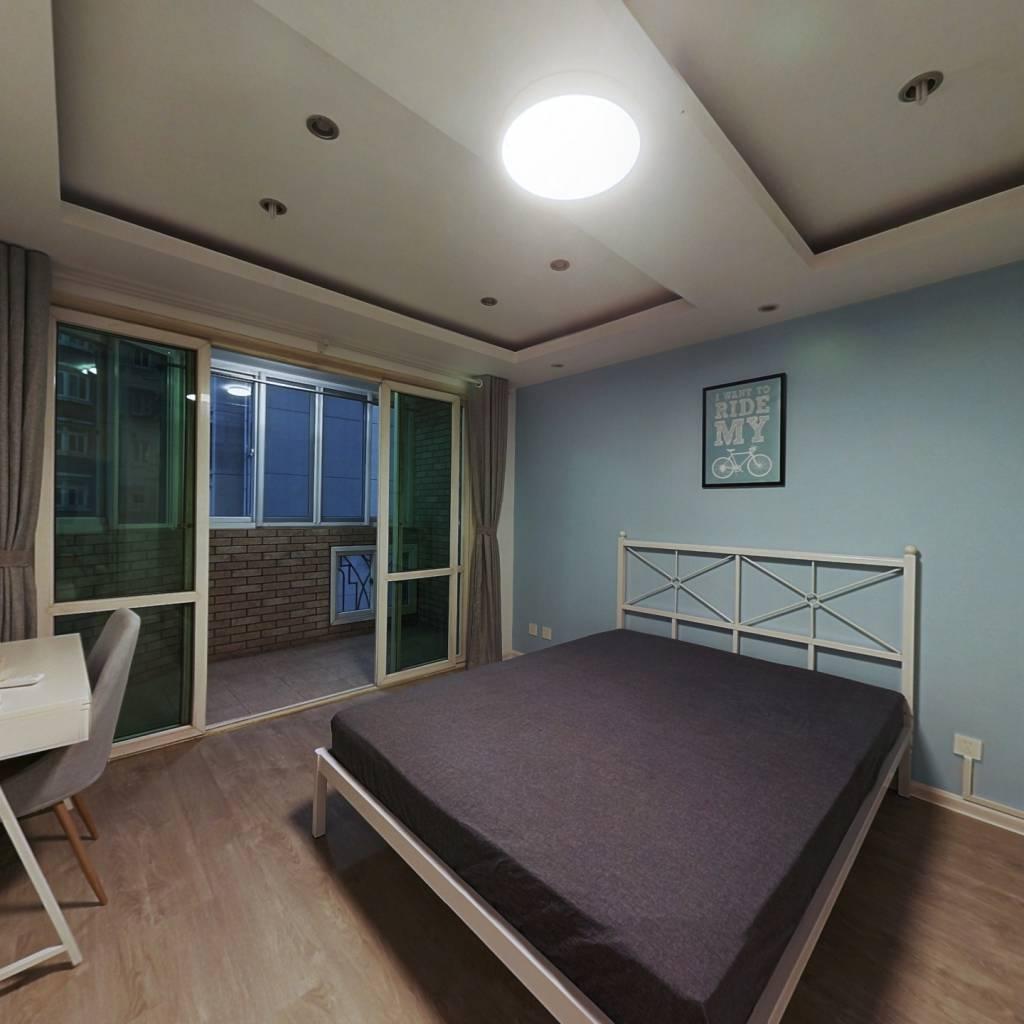 合租·怡馨花园 3室1厅 东卧室图