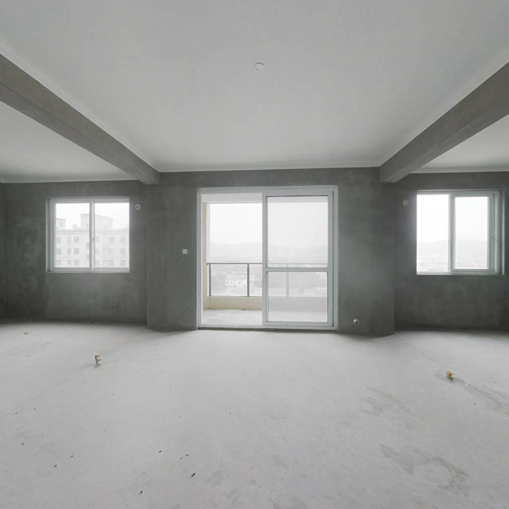 象山海景洋房,楼层好 无遮挡,全新毛坯,诚心出售。