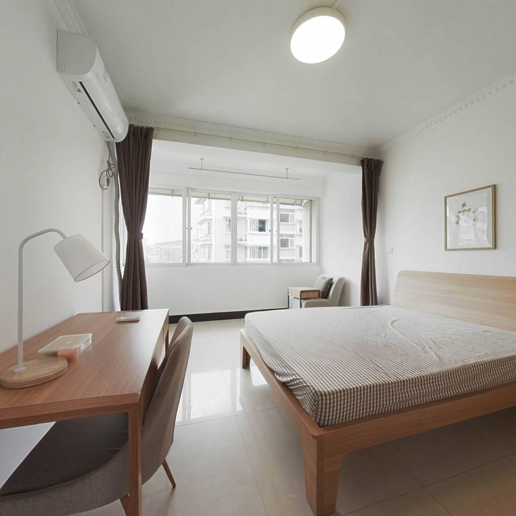 合租·长江小区 4室1厅 南卧室图