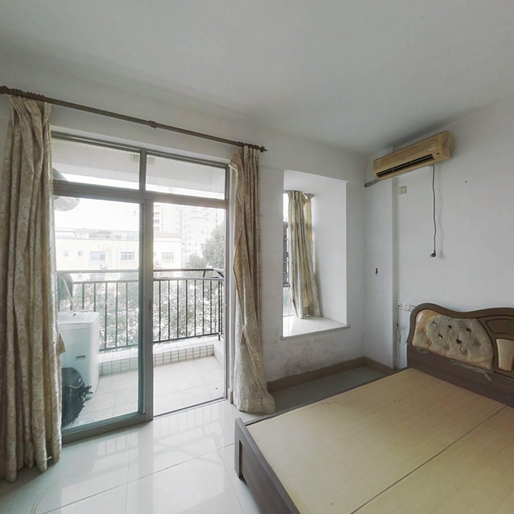 广联时代公寓 1室1厅 南