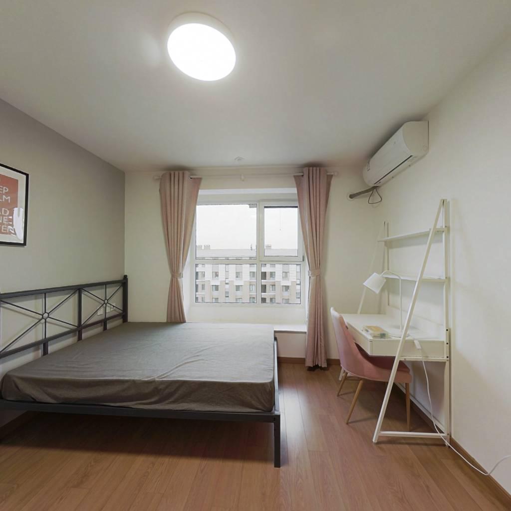 合租·万科四季博园 4室1厅 北卧室图