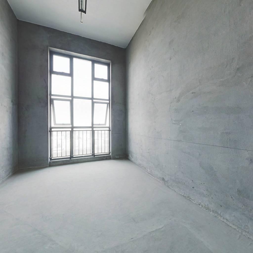 庄桥地铁口,4.6米复式挑高纯毛坯loft公寓