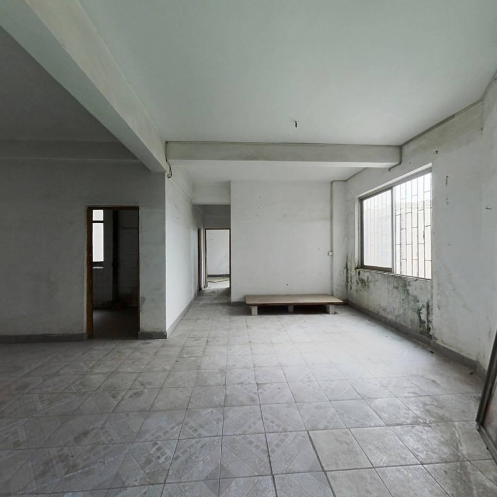 白蕉长途客运站旁80平实用2房 采光好 低价出售40.6万