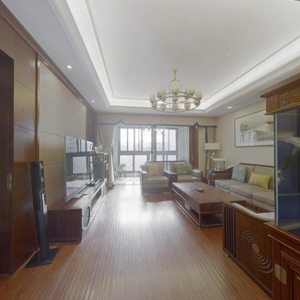 此房位置好,户型好,格局好,楼层好,视野宽阔无遮挡