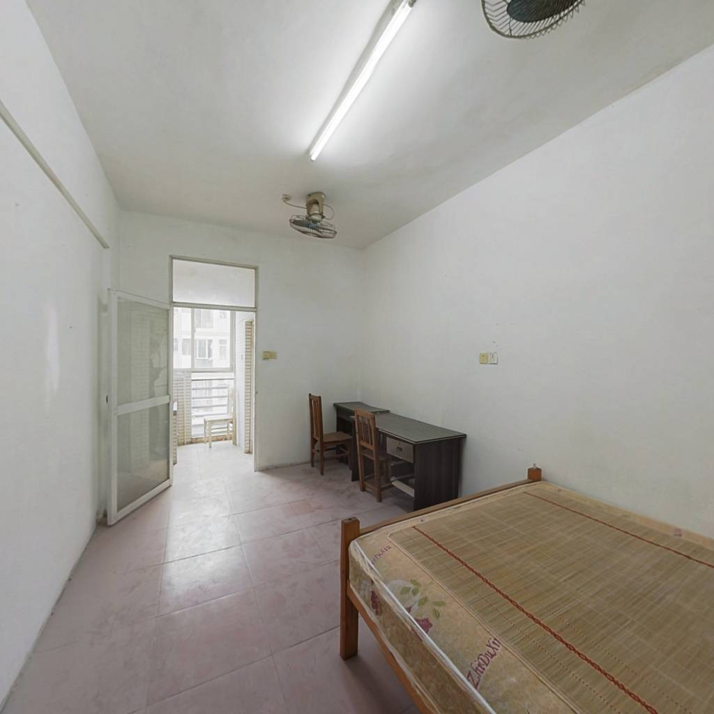 标准公寓房,偏高楼层,采光好,