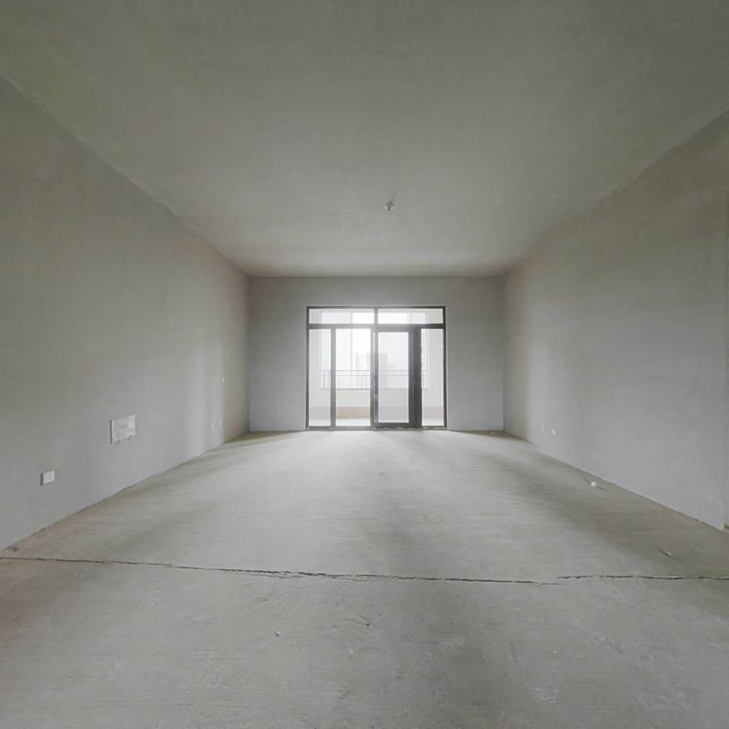 海珀香庭 四室两厅三卫 纯毛坯大平层 三个车位 有钥匙