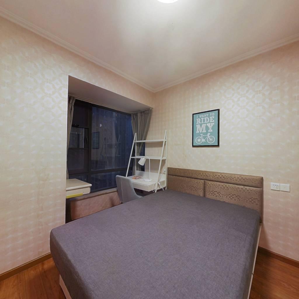 合租·滨湖名邸二期 4室1厅 南卧室图