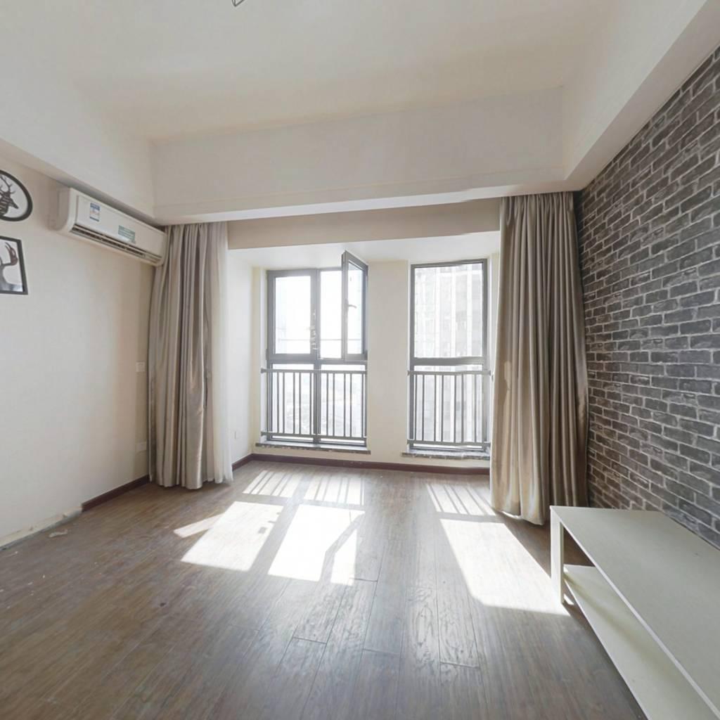 军运会主场馆旁40产权公寓,3号线正地铁口万达广场