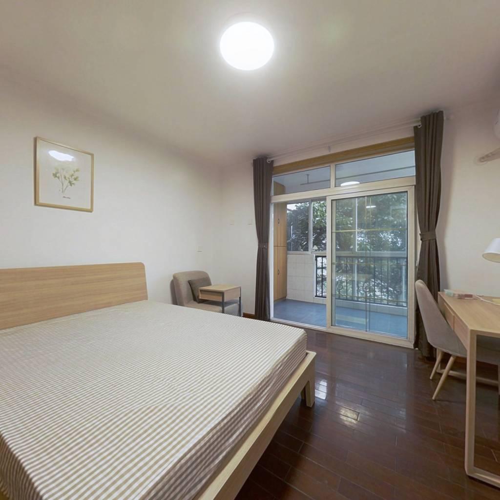 合租·四季家园 4室1厅 北卧室图