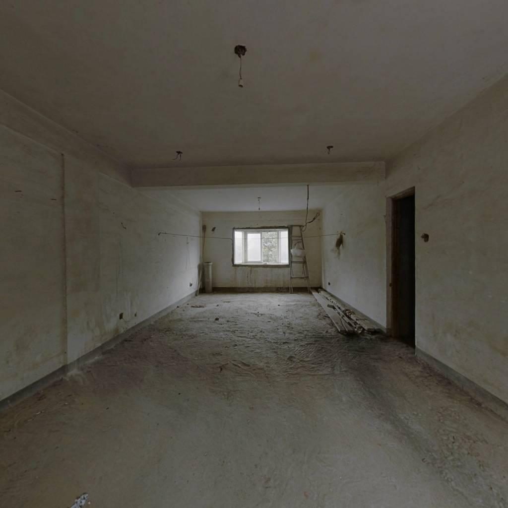 小户型单身公寓,售价仅47万,户型方正