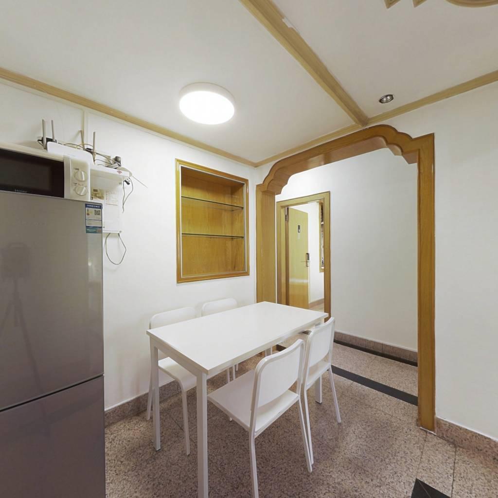 合租·西丽湖度假村 4室1厅 北卧室图