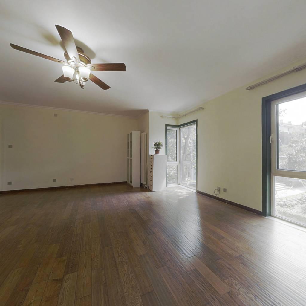 不临街低楼层4居,观景大平层,全明格局,免费3车位