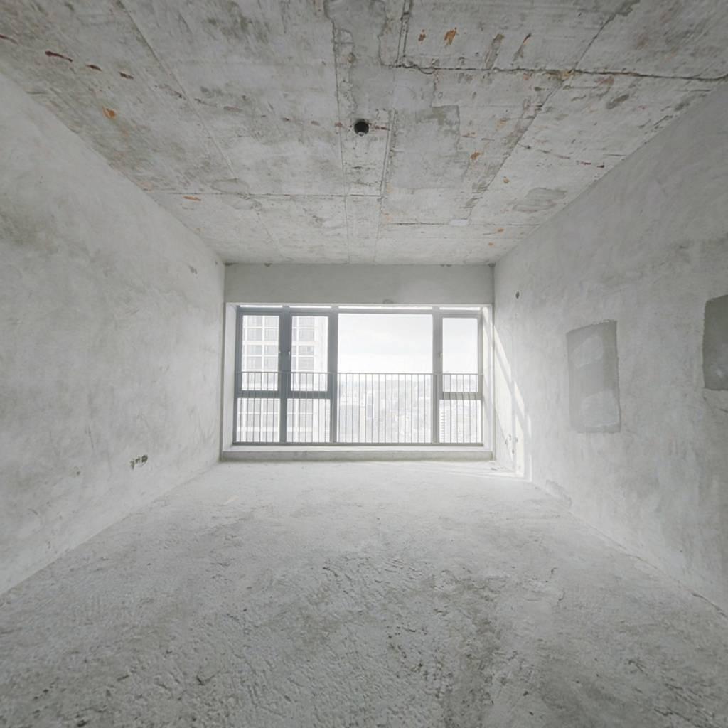 越秀星汇云锦 大户型171方单位 毛坯四房 东南北面采光