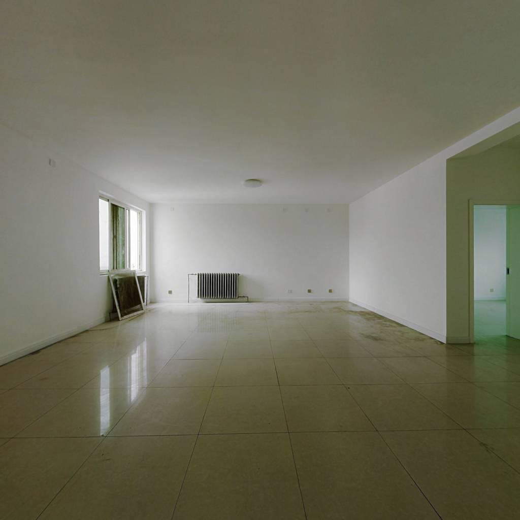 金海怡景苑 4室2厅 169万