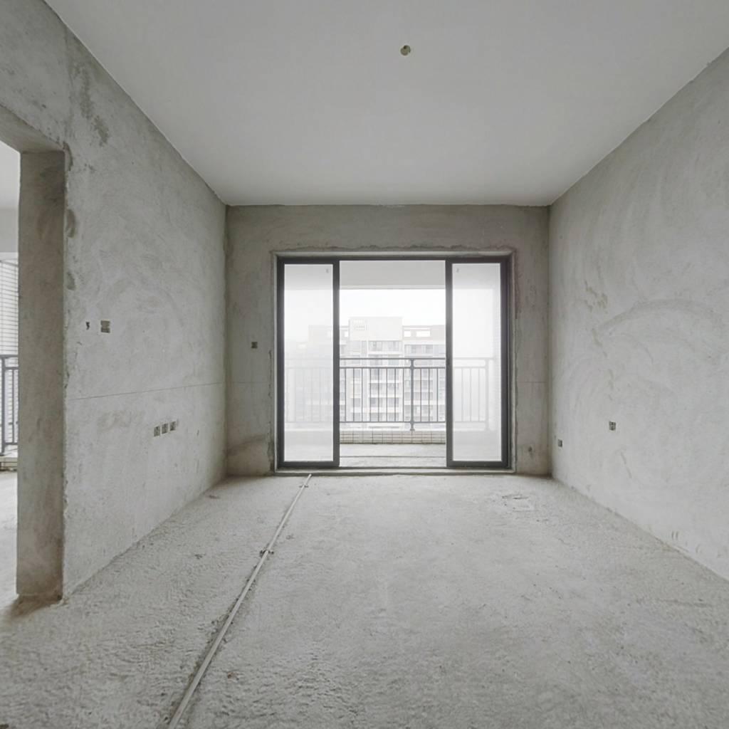 达鑫高楼层毛坯三房出售、紧缺房源