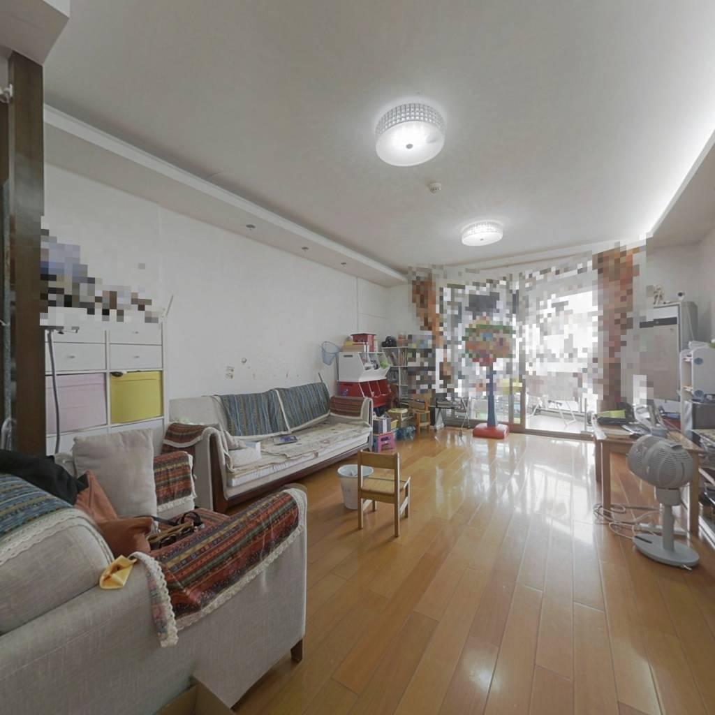 主要的是诚意出售,品质装修拎包入住,小区中间位置