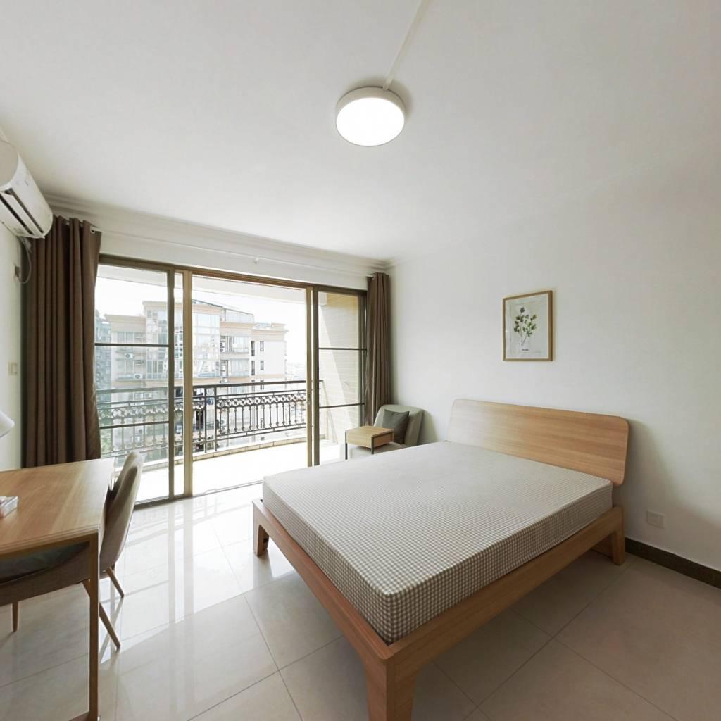 合租·骏景花园 4室1厅 西卧室图