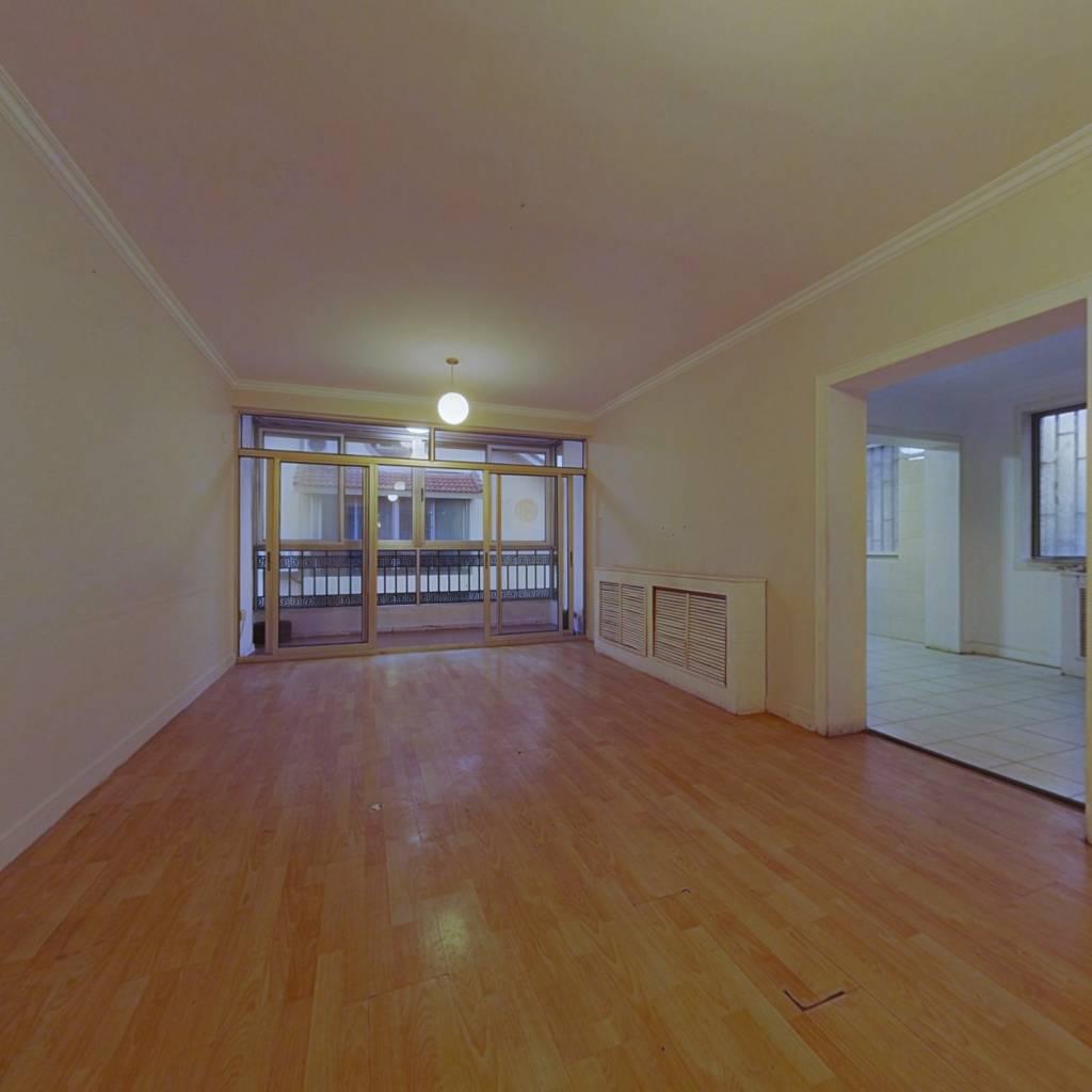 店长推荐优质房,顶楼加阁楼,超大利用率,一梯一户。
