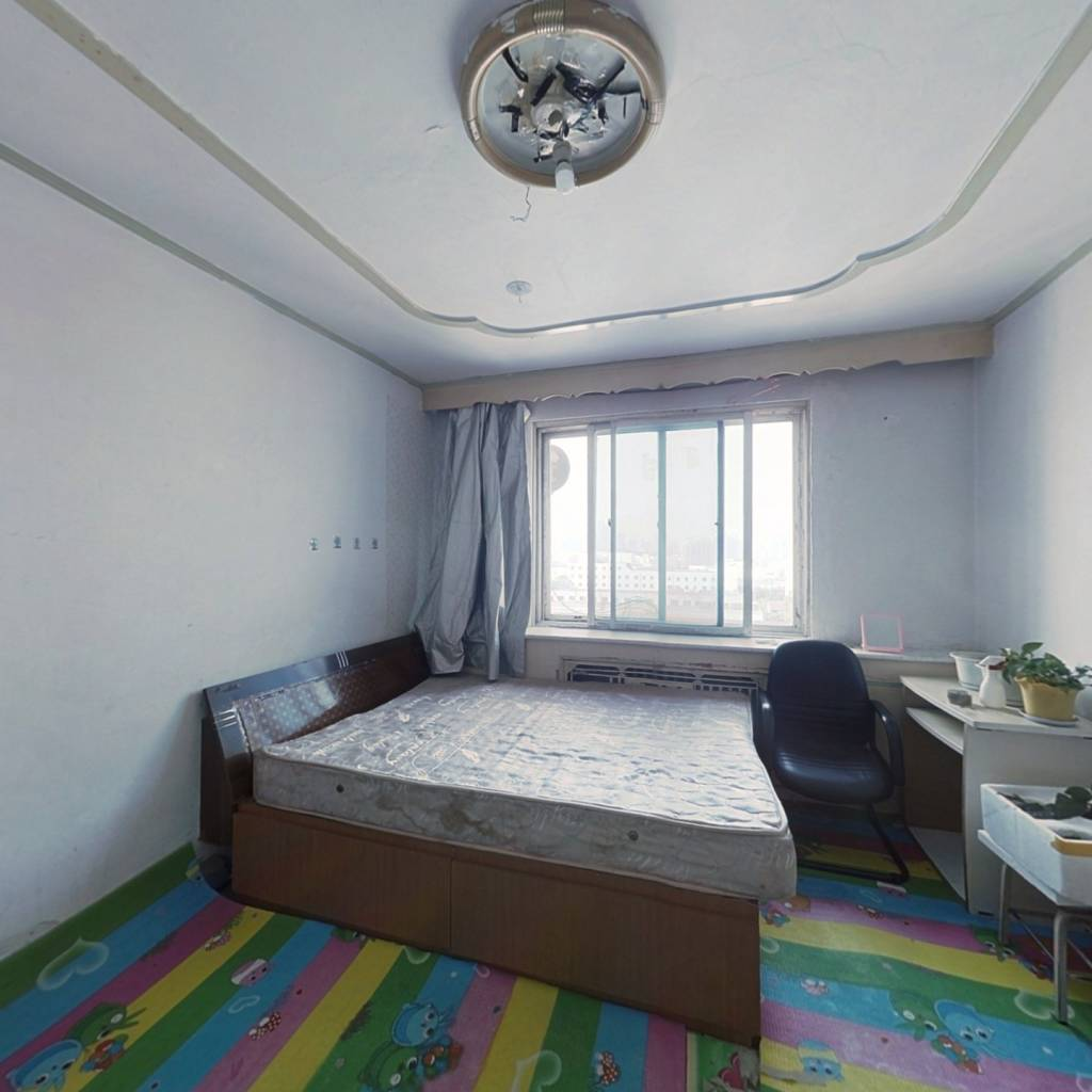 此房满五唯一西朝向楼层好,视野宽阔,采光充足
