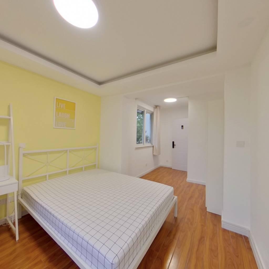 合租·静安新城十一区 3室1厅 南卧室图