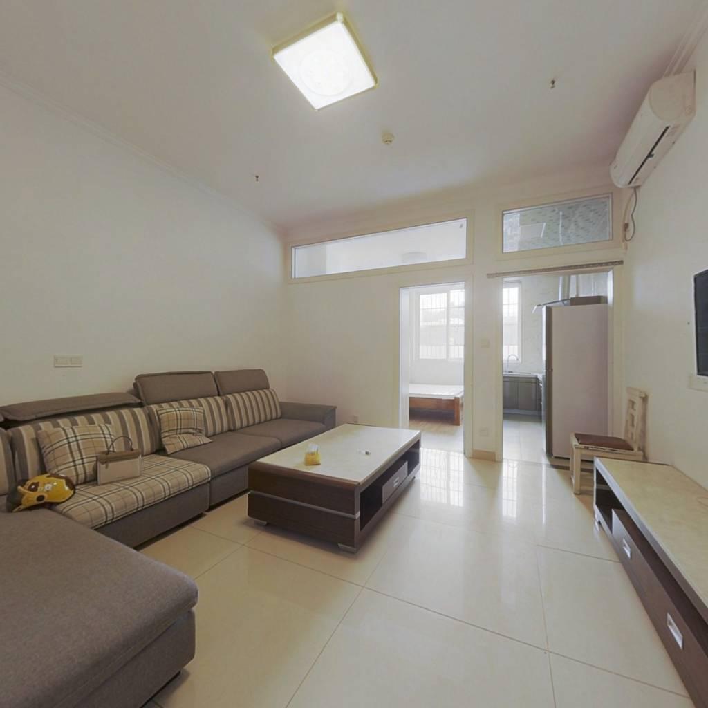 二号干道 中青公寓 一房一厅 直接可以入住