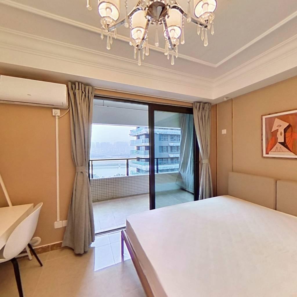 合租·恒大天府半岛4期 4室1厅 东卧室图