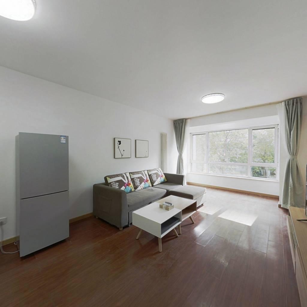 整租·首城国际B区 2室1厅 南卧室图
