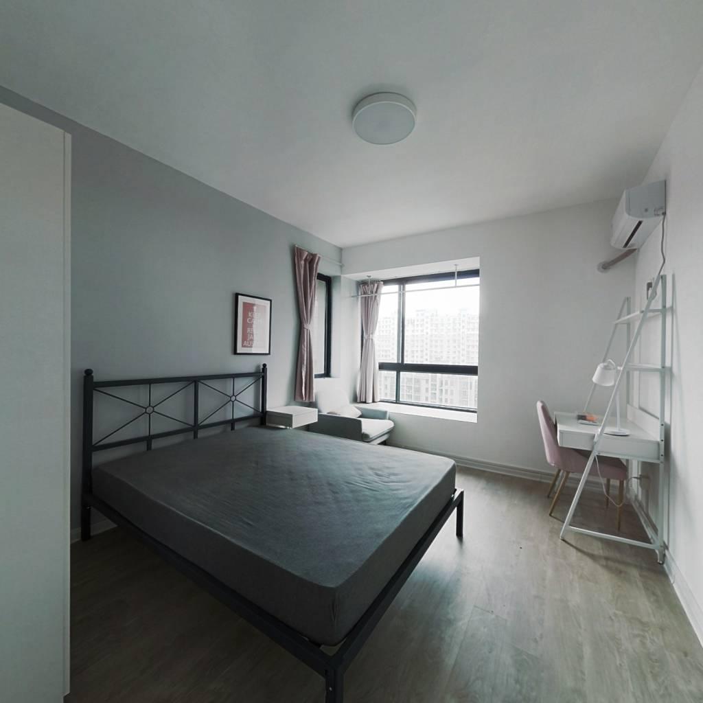 合租·亲亲家园四期 5室1厅 东卧室图