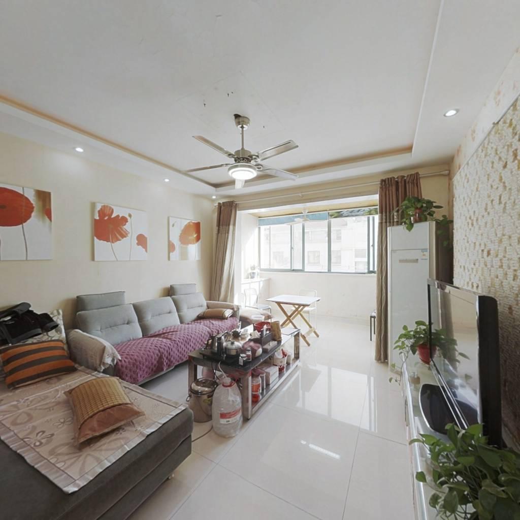 新惠家园户型通透,自住装修 拎包入住 看房方便