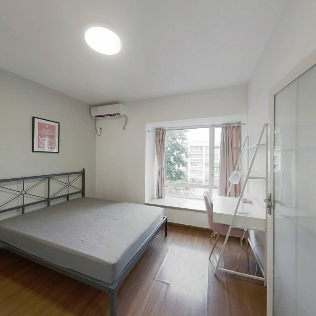 合租·时代玫瑰园 4室1厅 东南卧室图