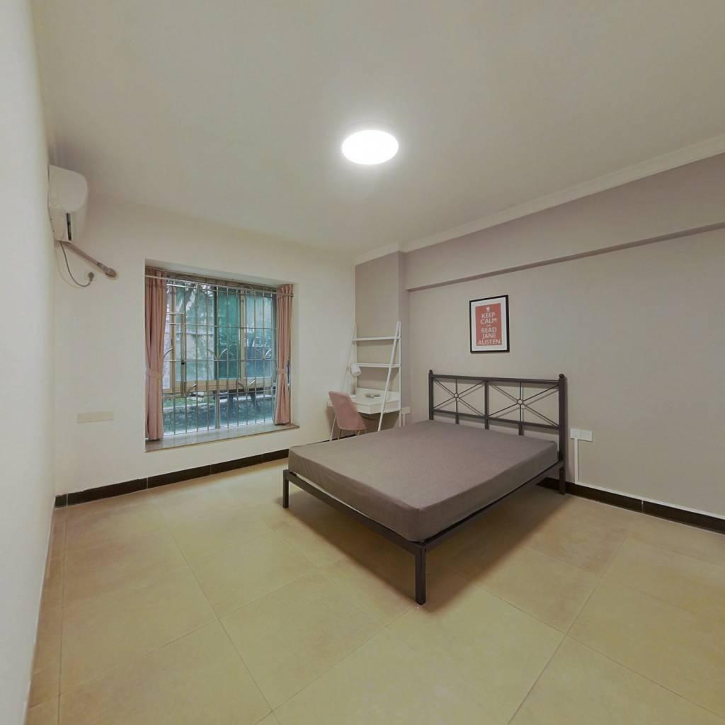 合租·东华花园 4室1厅 东北卧室图