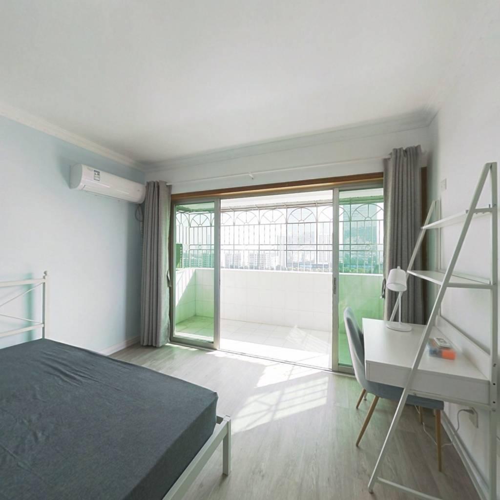 合租·金丰花园 4室1厅 北卧室图