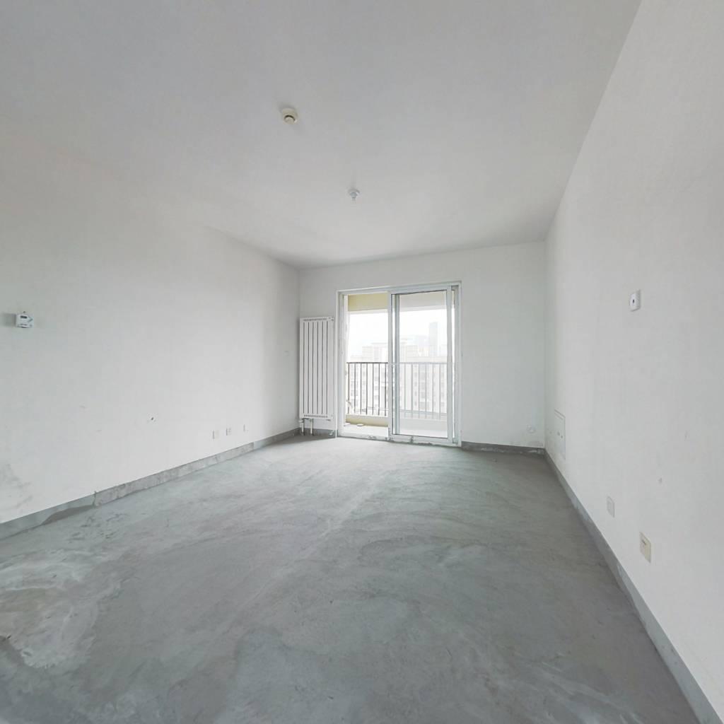 绿地新都会 三室两室 带地下室 采光好户型好 随时看