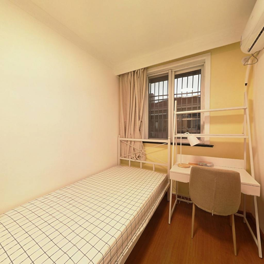 合租·澳门小区 3室1厅 西卧室图