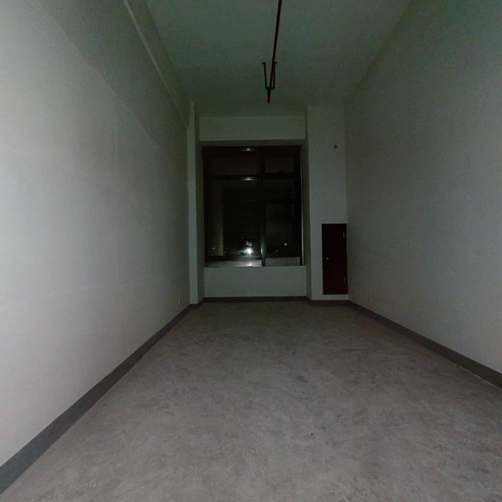 春晓龙湖复式公寓 总价低 有钥匙 商 业广场旁 采光好